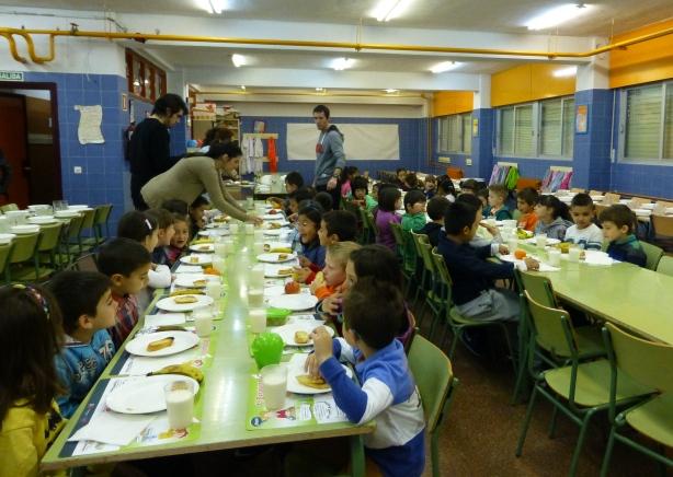 Alumnos de 1ºA en los Desayunos Saludables