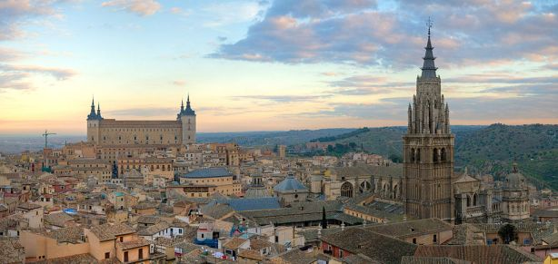 1024px-Toledo_Skyline_Panorama,_Spain_-_Dec_2006